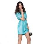Obleka, Sportmax Code (149 €); ogrlice, Orsay (2,50 € za kos); pas, Noa Noa (20,97 €); torbica, Zara (24,90 €); čevlji, Guess (180 €).