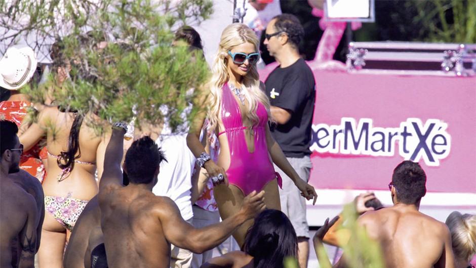 Paris Hilton: Nič več divjih zabav (foto: Story arhiv)
