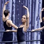 Igralka je z vlogo balerine Nine Sayers v filmu Črni labod priplesala do meja svojih psihičnih in fizičnih zmogljivosti. (foto: Story)