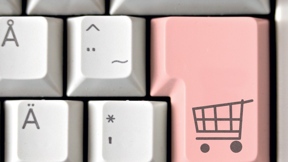 Spletno nakupovanje v EU je vedno bolj zanesljivo (foto: cosmopolitan avgust 2011)