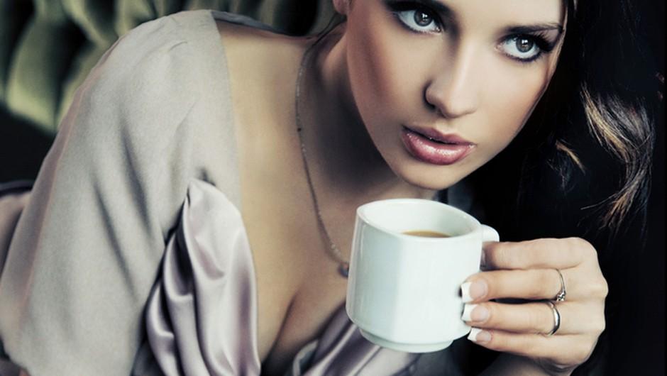 Črni čaj, naravno lepotilo. (foto: Shutterstock)