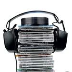 Glasbeni albumi, ki se jih Nejc nikoli ne naveliča. (foto: Tin Deu, Shutterstock, profimedia.si)
