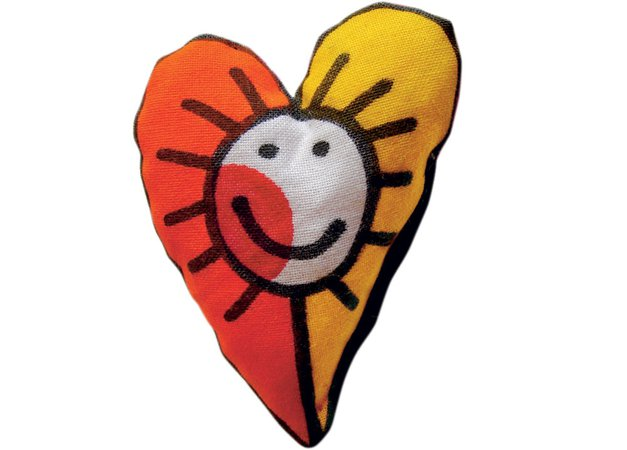 Rada sem ... zaljubljena: Za valentinovo je izdelala broško ljubezni, z motivom srčka. (foto: osebni arhiv ustvarjalk, Petra Cvelbar)