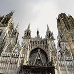 Slavna gotska katedrala v Rouenu v Normandiji, kjer so leta 1431 na grmadi zažgali Devic Orleansko. (foto: Lisa arhiv)