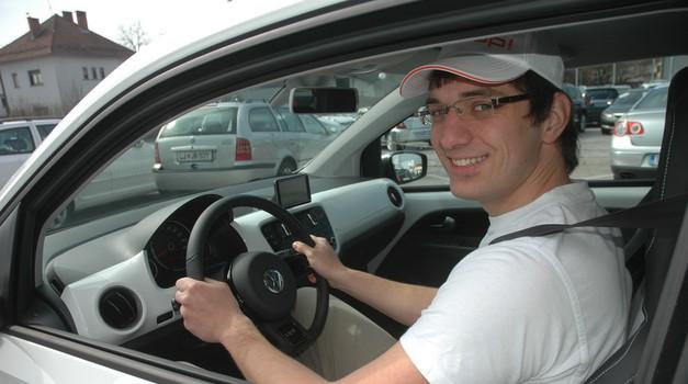 Samo za cosmo tv: Predali smo ključe Volkswagen upa! (foto: Peter Kavčič)