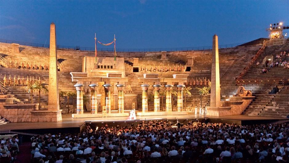 Najboljša letna gledališča – piknik in kultura na svežem zraku