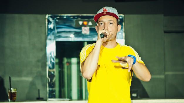 Zlatko premierno predstavil nov hit Več od lajfa (foto: promo)