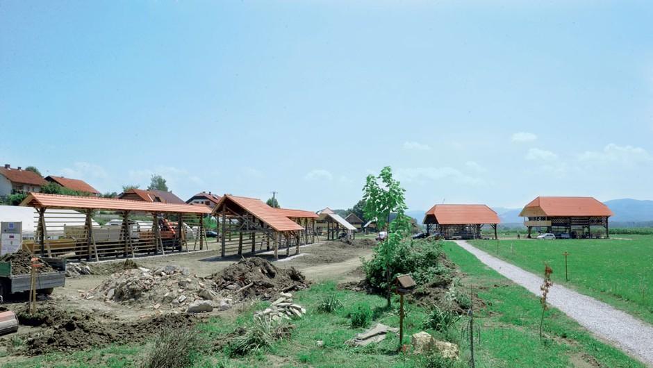 Dežela kozolcev - uradno odprtje Dežele kozolcev bo junija prihodnje leto. (foto: Primož Predalič)