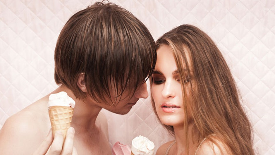 Pred zmenkom ga povabi k sebi na 'uvodno dejanje' (foto: Shutterstock)
