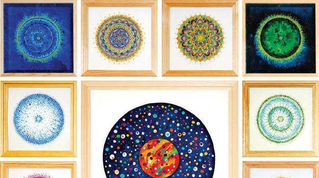 Ustvarjalka Tadeja Vidmar in njene mandale (foto: Osebni arhiv)