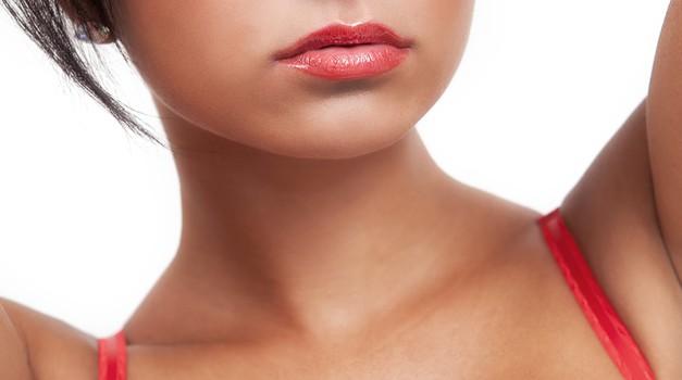 Masaža prsi za lepši dekolte (foto: shutterstock)