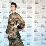 Romantičen stil Anne Hathaway (foto: Story Press)