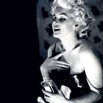 Marlyn Monroe ob uporabi Chanelove kultne dišave. (foto: Shutterstock.com, promocijsko gradivo, all-about-fashion)