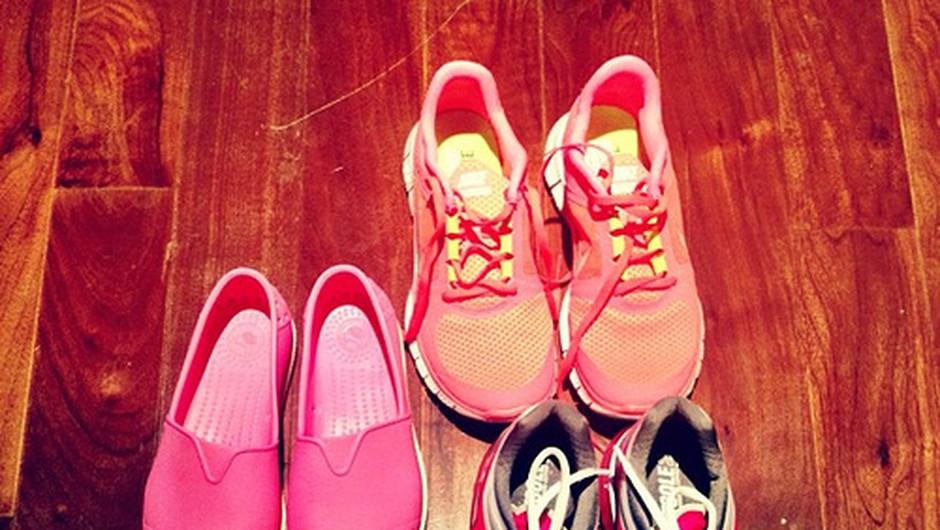 Neonski čevlji bodo popestrili tvoj izgled (foto: foter)