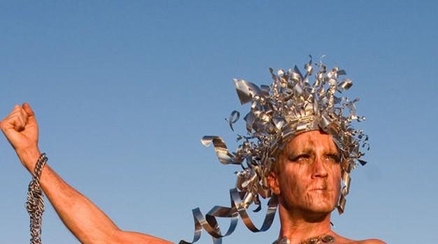 Ko misli, da bo kralj plaže ...  (foto: foter.com)