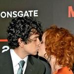 Igralec Geoffrey Arend, s katerim se je 11. oktobra 2009 poročila, ji je bil všeč takoj, ko ga je zagledala.  (foto: Profimedia, Shutterstock, Getty Images, Blitz film, AMC)
