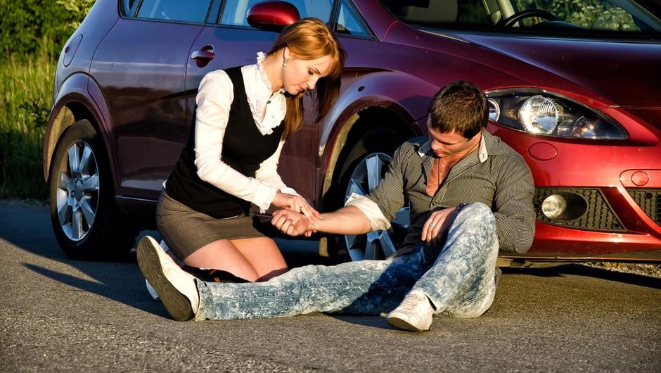 Prva pomoč ob prometni nesreči rešuje življenja! (foto: shutterstock)