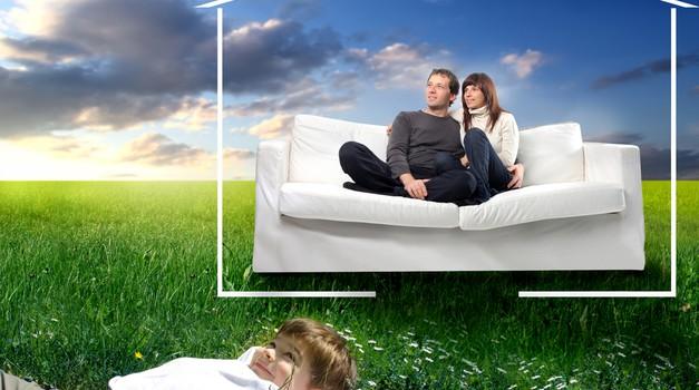 Mladi si danes težko ustvarijo lastno družino (foto: shutterstock)