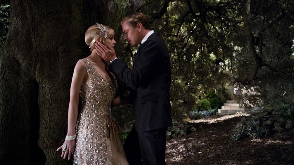 Naš favorit tega meseca je gotovo Veliki Gatsby, v katerem v glavni vlogi igra Leonardo di Caprio. (foto: Kolosej.si)
