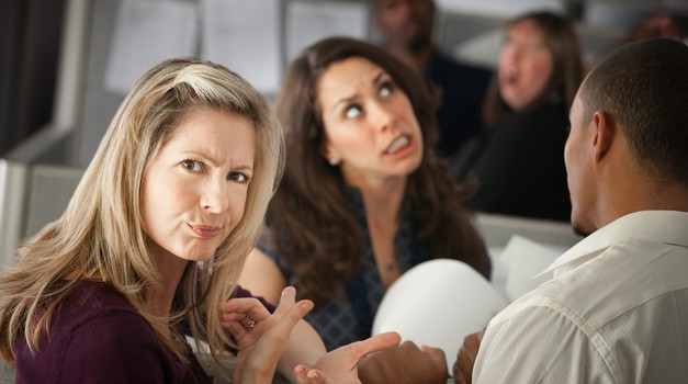 Slabe šale na tvoj račun? Ne daj se! (foto: shutterstock)