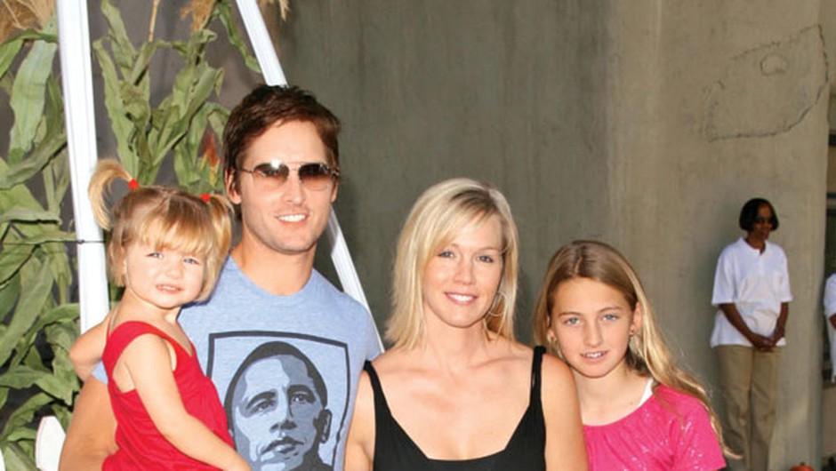 Jennie in Petru so se v zakonu rodile tri hčerke, Luca Bella, Lola Ray in Fiona Eve.  (foto: Profimedia, Shutterstock)