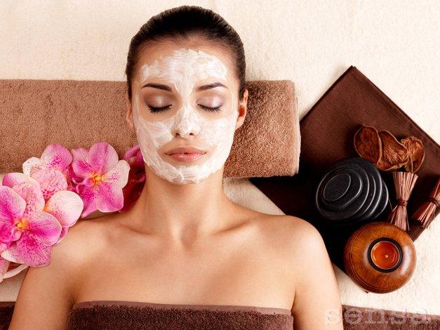 Če smrdi, peče in skeli, potem si to vredno dati na obraz. (foto: Valua Vitaly / Shutterstock.com)