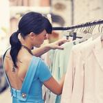 Oblačila: obleka Dsquared2, obutev Zara, ogrlica Zara (foto: Story - Krmelj)
