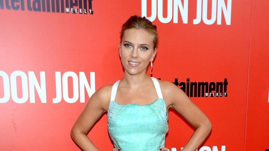 Turkizna milina Scarlett Johansson (foto: profimedia)