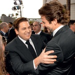 Jonah Hill in  Bradley Cooper  Jonah in Bradley si časa, ki ga preživita skupaj, verjetno ne predstavljata brez obilice smeha. (foto: profimedia)