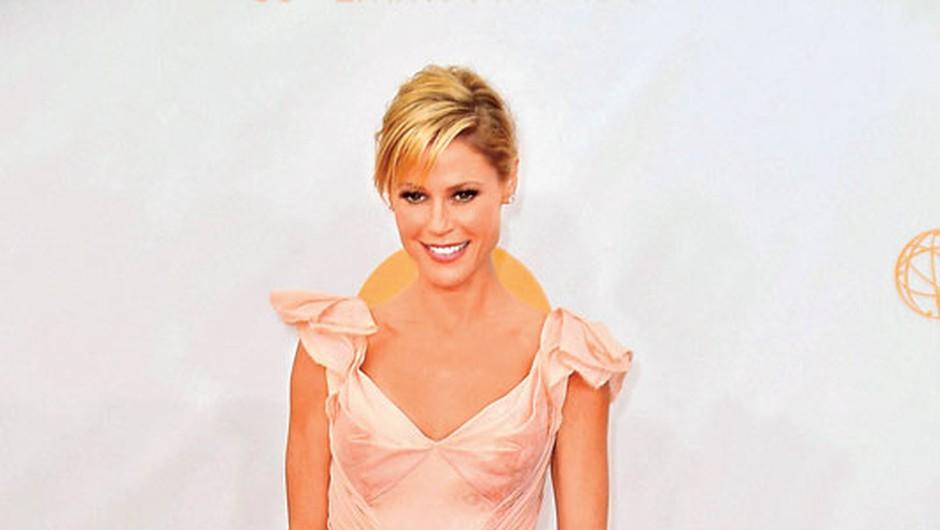 Julie Bowen je priznala,  da je prav zaradi podelitve  emmyjev več dni stradala.  (foto: Profimedia)