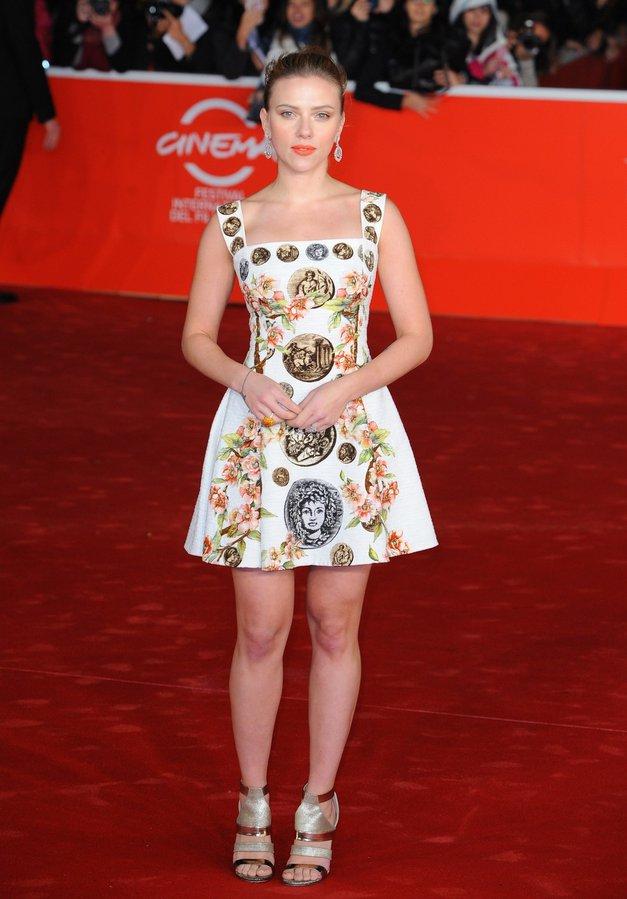 Scarlett Johansson: Eleganca s pridihom antike (foto: profimedia)