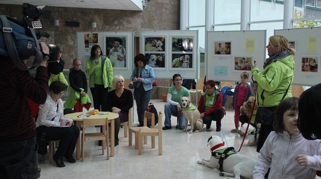 Fotografska razstava 'Psi terapevti' ponovno v prestolnici