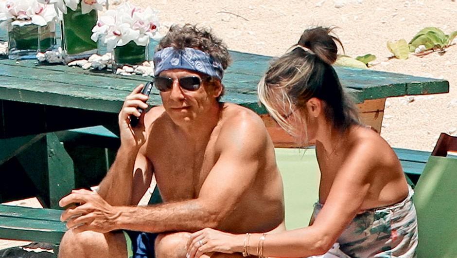 Poročila sta se na Havajih, kjer najraje preživljata dopust, zato sta si tam omislila počitniško hišo. (foto: Profimedia)