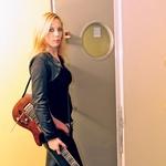 Katja Mavec (kitara) (foto: Goran Antley)