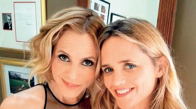 Maria se je pred kratkim  povsem nepričakovano  zaljubila v svojo najboljšo  prijateljico Clare Munn. (foto: Profimedia)