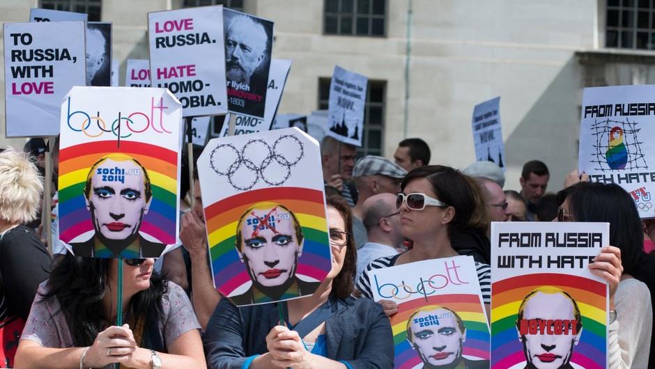 London, protesti, 10. avgust 2013 (foto: profimedia)