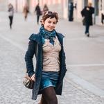 Ana polni svojo garderobo s kosi iz najrazličnejših delov sveta. Veliko in predvsem rada potuje. (foto: Robert Ribič)
