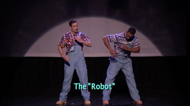 Ne pozabimo plesati robota (foto: Jimmy Fallon Show)