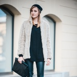 Modna blogerka Katiquette tokrat z zanimivo ''cosy'' jopico. (foto: Robert Ribič)