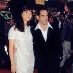 V dve leti starejšo komedijantko Jeanne Tripplehorn, s katero je bil celo zaročen, se je zaljubil leta 1992, razšla pa sta se štiri leta pozneje, ker ga je prevarala. (foto: Profimedia)