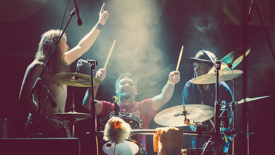 Bobnarska ekstaza skupaj s skupinama Elvis Jackson in Tabu (foto: Švic festival)