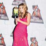 Za vlogo v filmski predelavi televizijske serije iz sedemdesetih Starsky in Hutch je dobila MTV-jevo nagrado za najboljši poljub.  (foto: Red Dot in Rex Features)