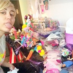 Miley Cyrus končno pokazala nekaj kreativnosti! (foto: profimedia)