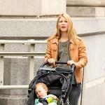 Če je le mogoče, igralko tudi na snemanjih spremlja njen sinček Cyrus Michael Christopher, ki je luč sveta ugledal 17. decembra 2012. (foto: Profimedia, Splash News)