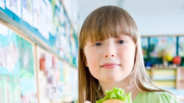 Zbiranje sredstev za lačne šolarje se nadaljuje (foto: profimedia)