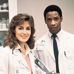 Zaslovel je z vlogo zdravnika Philipa Chandlerja v seriji St. Elsewhere,  v kateri je igral  med letoma  1982 in 1988.   (foto: Profimedia, Getty Images)
