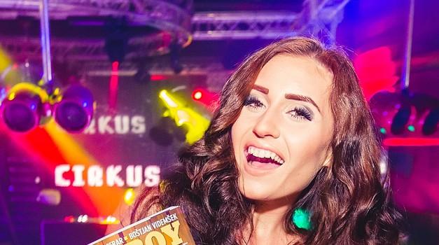 Anja Jenko v Cirkusu proslavila izid 'svojega' Playboya (foto: promocija Cirkus)