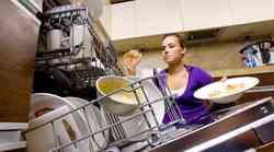Ali mikrobiologi še uporabljajo pomivalni in pralni stroj?