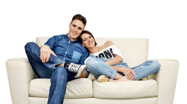 Ta mesec je na Tinin kavč sedel Mister Slovenije Doman Mihelič (foto: Primož Predalič)