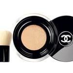 Puder v prahu, Chanel Vitalumiere Loos powder (64,60 €) (foto: promo, petra cveblar, getty images)